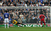 Photo: Andrew Unwin.<br />Middlesbrough v Everton. The Barclays Premiership. 14/10/2006.<br />Middlesbrough's Yakubu (R) scores from the penalty spot.