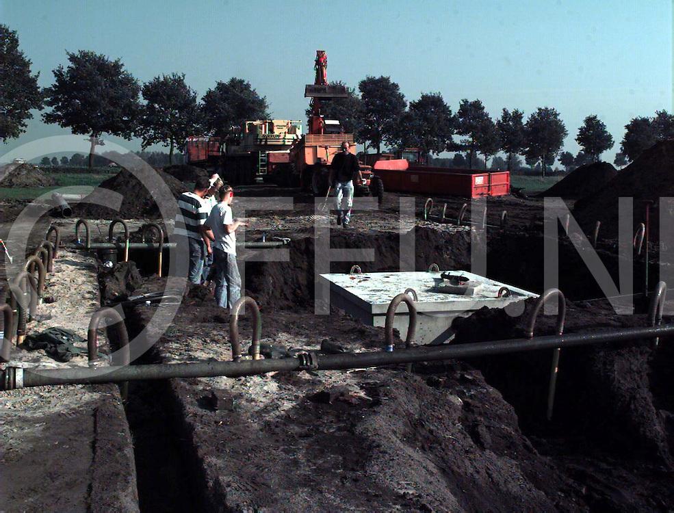 dedemsvaart : aanleg duiker aan de stegerenallee..foto frank uijlenbroek@1995