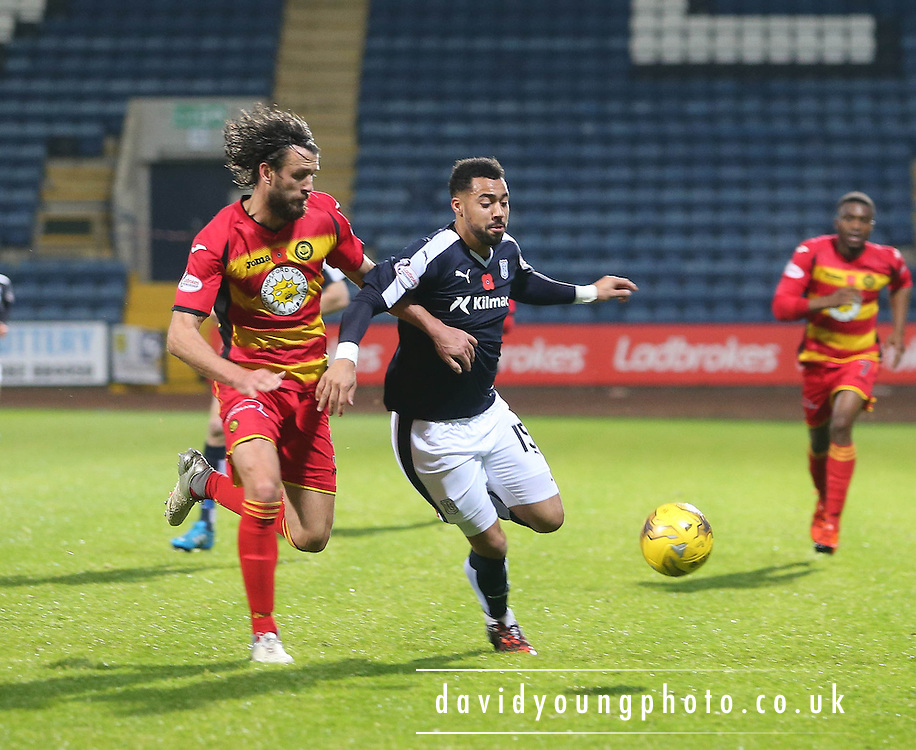 Dundee&rsquo;s Kane Hemmings and Partick Thistle&rsquo;s Daniel Seaborne - Dundee v Partick Thistle, Ladbrokes Premiership at Dens Park<br /> <br />  - &copy; David Young - www.davidyoungphoto.co.uk - email: davidyoungphoto@gmail.com