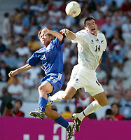 FOOTBALL - CONFEDERATIONS CUP 2003 - GROUP A - 1ST ROUND - NEW ZEALAND v JAPAN- 030618 - RYAN NELSON (NZL) / YOSHITO OKUBO (JAP) - PHOTO STEPHANE MANTEY / DIGITALSPORT