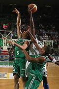 DESCRIZIONE : Treviso Lega A1 2006-07 Benetton Treviso Montepaschi Siena <br /> GIOCATORE : Sato Rimbalzo Offensivo<br /> SQUADRA : Montepaschi Siena <br /> EVENTO : Campionato Lega A1 2006-2007 <br /> GARA : Benetton Treviso Montepaschi Siena <br /> DATA : 22/04/2007 <br /> CATEGORIA : Rimbalzo<br /> SPORT : Pallacanestro <br /> AUTORE : Agenzia Ciamillo-Castoria/M.Marchi <br /> Galleria : Lega Basket A1 2006-2007 <br /> Fotonotizia : Treviso Campionato Italiano Lega A1 2006-2007 Benetton Treviso Montepaschi Siena <br /> Predefinita :
