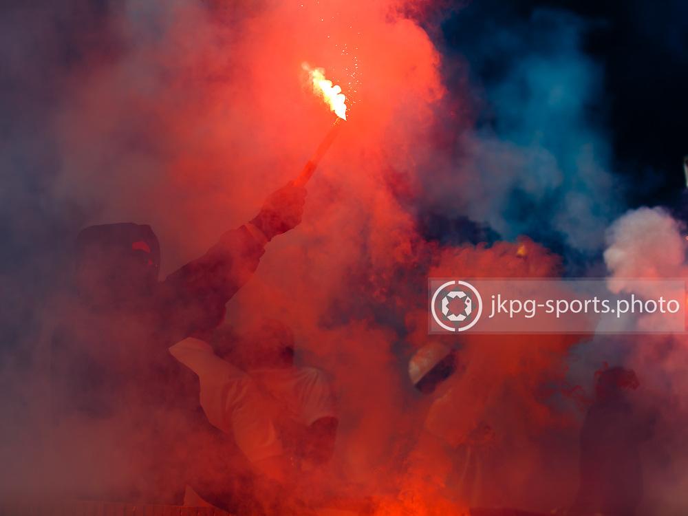 160508 Fotboll, Allsvenskan, J&ouml;nk&ouml;ping - Norrk&ouml;ping<br /> Maskerade supporter anv&auml;nder pyroteknik innan matchstart.<br /> &copy; Daniel Malmberg/AOP-IBL
