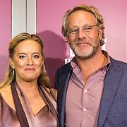 NLD/Amsterdam/20191007 - Premiere van De Alex Klaasen Revue - Showponies 2, Martine Sandifort en partner Rick