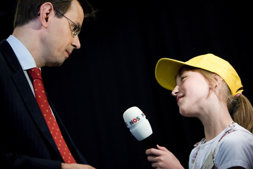 Nederland. Hilversum, 6 juni 2007.<br /> Minister Andre Rouvoet van Jeugd en Gezin tijdens de Kindertop , mediapark.<br /> Foto Martijn Beekman <br /> NIET VOOR TROUW, AD, TELEGRAAF, NRC EN HET PAROOL