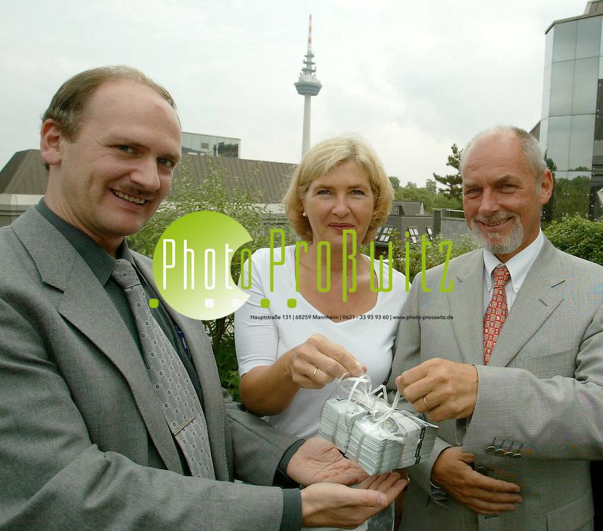 Mannheim. Inter Versicherung. WWH Spende<br /> <br /> Bild: Pro&szlig;witz