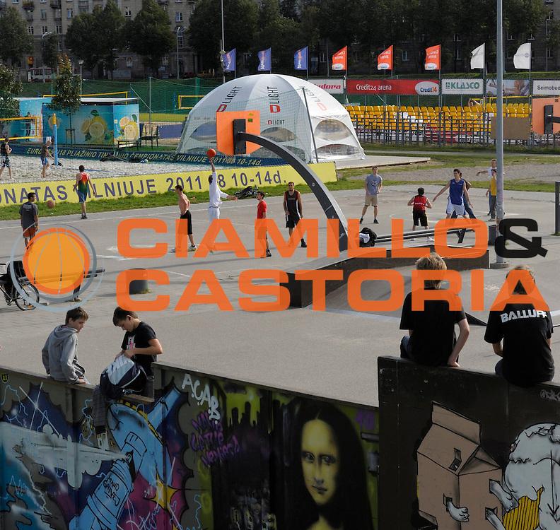 DESCRIZIONE : Equipe de France Homme Euro Lituanie a Vilnius 2011<br /> GIOCATORE : Ambiance Lituanie<br /> SQUADRA : <br /> EVENTO : Euro Lituanie 2011<br /> GARA : <br /> DATA : 06/09/2011<br /> CATEGORIA : Basketball France Homme<br /> SPORT : Basketball<br /> AUTORE : JF Molliere FFBB FIBA<br /> Galleria : France Basket 2010-2011 Reportage<br /> Fotonotizia : Ambiance Ville de Vilnius<br /> Euro Lituanie 2011 a Vilnius<br /> Predefinita :