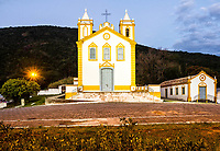 Igreja Nossa Senhora da Lapa, fundada em 1806 no Ribeirão da Ilha, ao anoitecer. Florianópolis, Santa Catarina, Brasil. / Nossa Senhora da Lapa Church, founded in 1806 at Ribeirao da Ilha district, at evening. Florianopolis, Santa Catarina, Brazil.