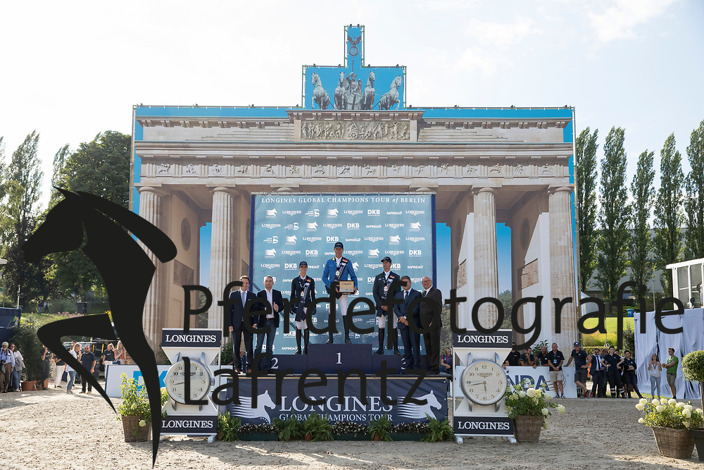 Ahlmann, Christian (GER)<br /> Blum, Simone (GER)<br /> Asten, Leopold van (NED) <br /> Berlin - Global Jumping Berlin 2017<br /> © www.sportfotos-lafrentz.de/Stefan Lafrentz