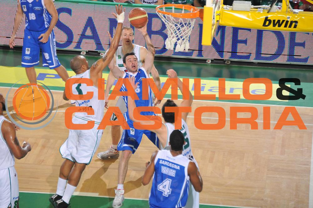 DESCRIZIONE : Treviso Lega A 2010-11 Benetton Treviso Dinamo Sassari <br /> GIOCATORE : Dimitrios Tsaldaris<br /> SQUADRA : Benetton Treviso Dinamo Sassari<br /> EVENTO : Campionato Lega A 2010-2011 <br /> GARA : Benetton Treviso Dinamo Sassari<br /> DATA : 09/04/2011<br /> CATEGORIA : Tiro<br /> SPORT : Pallacanestro <br /> AUTORE : Agenzia Ciamillo-Castoria/M.Gregolin<br /> Galleria : Lega Basket A 2010-2011 <br /> Fotonotizia : Treviso Lega A 2010-11 Benetton Treviso Dinamo Sassari<br /> Predefinita :