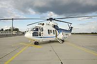 07 JUN 2006, BERLIN/GERMANY:<br /> Zweimotoriger mittelschwerer Hubschrauber <br /> Eurocopter Cougar AS532, als militärische Variante des Super Puma AS332, ist ein zweimotoriger mittelschwerer Hubschrauber für den Personentransport, vorwiegend im politisch/parlamentarischen Bereich. Die Hubschrauber sind bei der 3. Lufttransportstaffel der Flugbereitschaft BMVg am Flughafen in Berlin-Tegel stationiert, Flughafen Berlin-Tegel, militaerischer Teil<br /> IMAGE: 20060607-02-069<br /> KEYWORDS: helikopter, helicopter, VIP, Luftwaffe