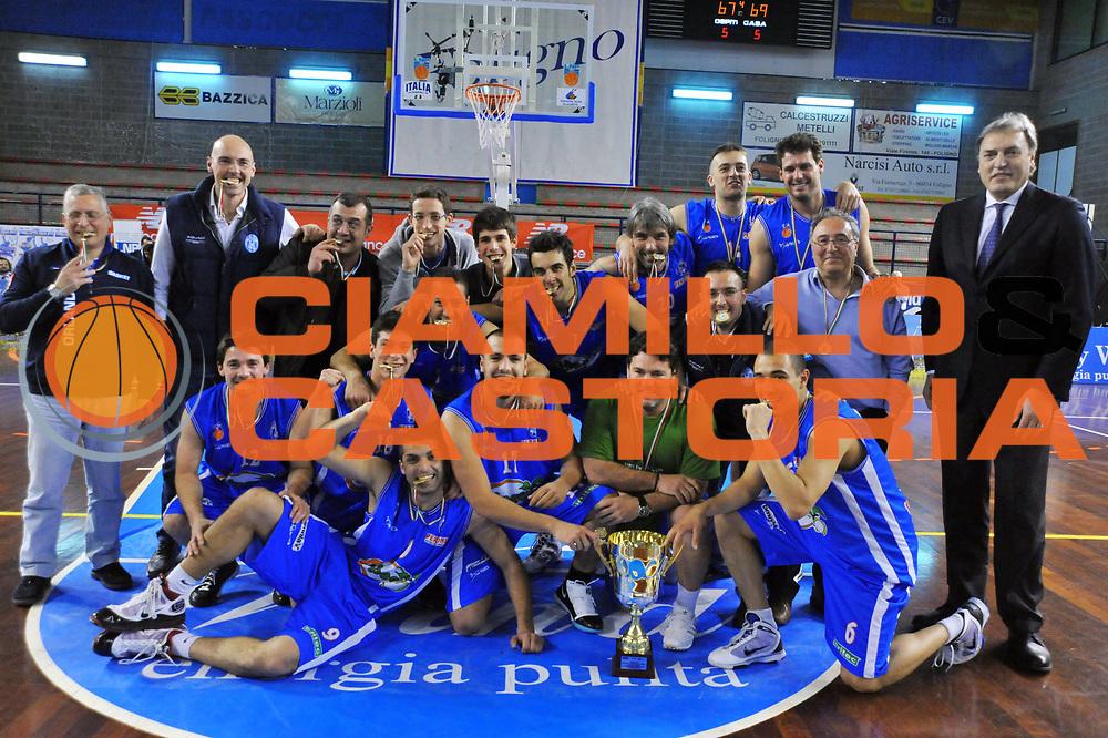 DESCRIZIONE : Foligno LNP Lega Nazionale Pallacanestro Serie A Dilettanti Coppa Italia 2009-10 UPEA Capo d'Orlando Scuola Basket Cavriago<br /> GIOCATORE :&nbsp;Team Capo d'Orlando Coppa Italia<br /> SQUADRA : UPEA Capo d'Orlando Scuola Basket Cavriago<br /> EVENTO : Lega Nazionale Pallacanestro 2009-2010&nbsp;<br /> GARA : UPEA Capo d'Orlando Scuola Basket Cavriago<br /> DATA : 02/04/2010<br /> CATEGORIA : Esultanza<br /> SPORT : Pallacanestro&nbsp;<br /> AUTORE : Agenzia Ciamillo-Castoria/M.Gregolin<br /> Galleria : Lega Nazionale Pallacanestro 2009-2010&nbsp;<br /> Fotonotizia : Foligno LNP Lega Nazionale Pallacanestro Serie A Dilettanti Coppa Italia 2009-10 UPEA Capo d'Orlando Scuola Basket Cavriago<br /> Predefinita :&nbsp;