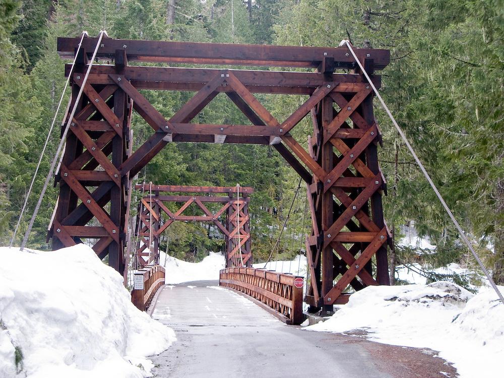 Wooden Suspension Bridge across the Nisqually River at Longmier in Mount Rainier National Park, Washington, USA