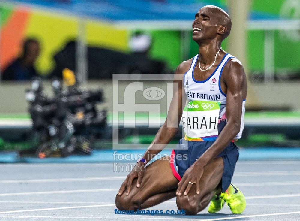 Mo Farah of Great Britain takes Gold to retain his title in the Men's 10,000m on day eight of the XXXI 2016 Olympic Summer Games in Rio de Janeiro, Brazil.<br /> Picture by EXPA Pictures/Focus Images Ltd 07814482222<br /> 13/08/2016<br /> *** UK &amp; IRELAND ONLY ***<br /> <br /> EXPA-GRO-160814-5315.jpg