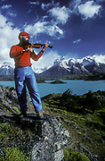 Violinist, Lage Pehoe, Cuernos del Paine, Torre Del Paine National Park, Patagonia, Chile
