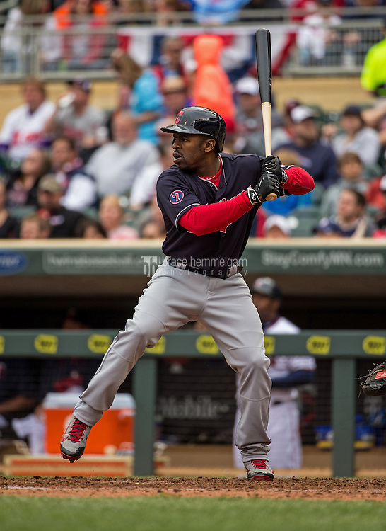 MINNEAPOLIS, MN- APRIL 19: Michael Bourn #24 of the Cleveland Indians bats against the Minnesota Twins on April 19, 2015 at Target Field in Minneapolis, Minnesota. The Twins defeated the Indians 7-2. (Photo by Brace Hemmelgarn) *** Local Caption *** Michael Bourn