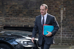 © Licensed to London News Pictures. 16/10/2018. London, UK. Secretary of State for Exiting the European Union Dominic Raab arrives on Downing Street for the Cabinet meeting. Prime Minister Theresa May faces a possible rebellion from members of the Cabinet over her plans for Brexit. Photo credit: Rob Pinney/LNP