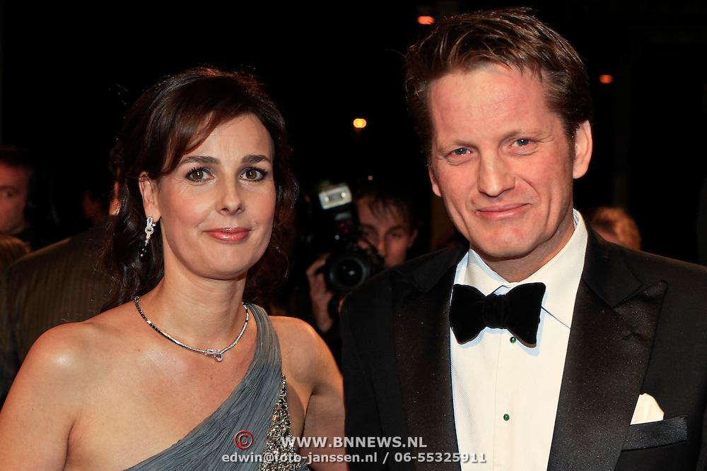 NLD/Katwijk/20101030 - Inloop premiere musical Soldaat van Oranje, Prins Pieter Christiaan en partner Anita van Eijk