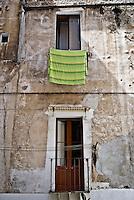 Uno scorcio di Brindisi in una strada nei pressi di via del mare a Brindisi. 29/05/2010 PH Gabriele Spedicato