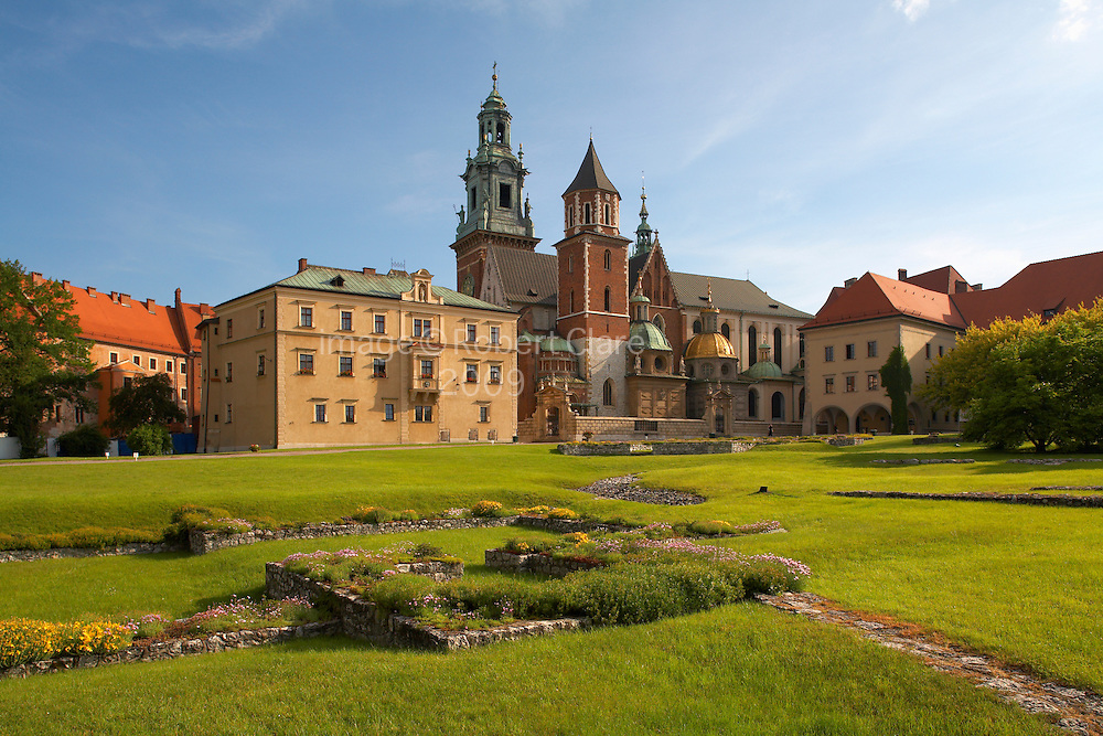 Eastern Europe Poland Malopolska Krakow Royal Wawel Cathedral Early Morning