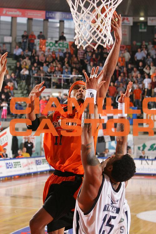 DESCRIZIONE : Udine Lega A1 2006-07 Snaidero Udine Climamio Fortitudo Bologna <br /> GIOCATORE : Williams <br /> SQUADRA : Snaidero Udine <br /> EVENTO : Campionato Lega A1 2006-2007 <br /> GARA : Snaidero Udine Climamio Fortitudo Bologna <br /> DATA : 21/01/2007 <br /> CATEGORIA : Tiro <br /> SPORT : Pallacanestro <br /> AUTORE : Agenzia Ciamillo-Castoria/S.Silvestri