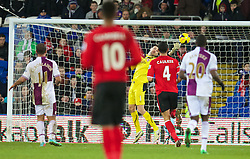 CARDIFF, WALES - Tuesday, February 11, 2014: Cardiff City's goalkeeper David Marshall tips the ball over the bar injury time against Aston Villa during the Premiership match at the Cardiff City Stadium. (Pic by David Rawcliffe/Propaganda)