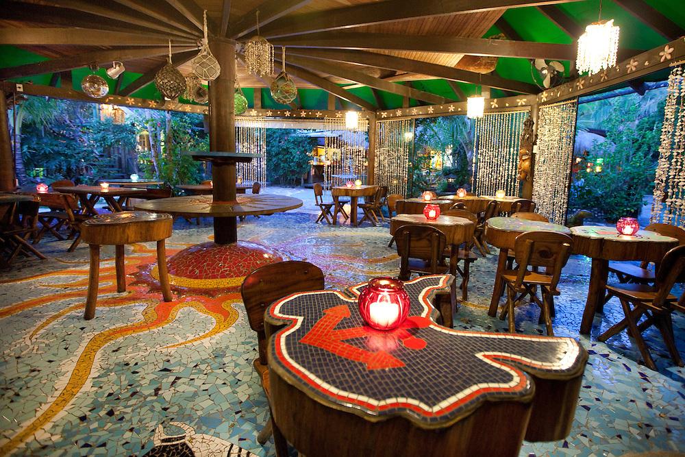 Ad Campaign: Evening in the restaurant at Grajagan Resort, Ilha do Mel, Brazil