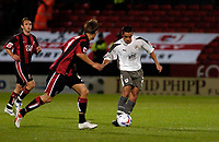 Photo: Leigh Quinnell.<br /> AFC Bournemouth v Bristol City. Coca Cola League 1. 26/09/2006. Bristols Scott Murray passes the ball.