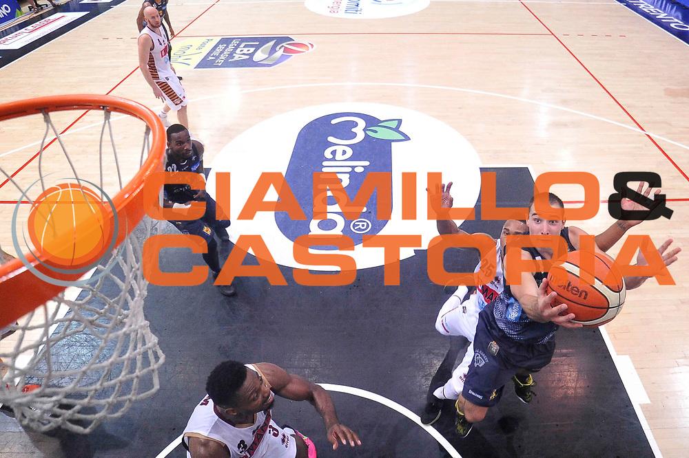 Aaron Craft<br /> Dolomiti Energia Aquila Basket Trento - Umana Reyer Venezia<br /> Lega Basket Serie A 2016/2017<br /> Playoff, finale gara 3<br /> Trento, 14/06/2017<br /> Foto Ciamillo-Castoria