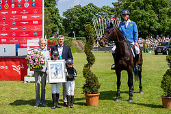 AHLMANN Christian (GER), Codex One, BECKER Otto (Bundestrainer), WINTER-SCHULZE Madeleine<br /> Hamburg - 90. Deutsches Spring- und Dressur Derby 2019<br /> Verabschiedung Codex One<br /> 01. Juni 2019<br /> © www.sportfotos-lafrentz.de/Stefan Lafrentz