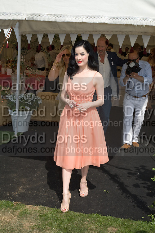 2008 Cartier International Polo Day, Guards Polo Club. Windsor.  July 27, 2008 in Windsor DITA VON TEESE, 2008 Cartier International Polo Day, Guards Polo Club. Windsor.  July 27, 2008 in Windsor *** Local Caption *** -DO NOT ARCHIVE-© Copyright Photograph by Dafydd Jones. 248 Clapham Rd. London SW9 0PZ. Tel 0207 820 0771. www.dafjones.com. -DO NOT ARCHIVE-© Copyright Photograph by Dafydd Jones. 248 Clapham Rd. London SW9 0PZ. Tel 0207 820 0771. www.dafjones.com.