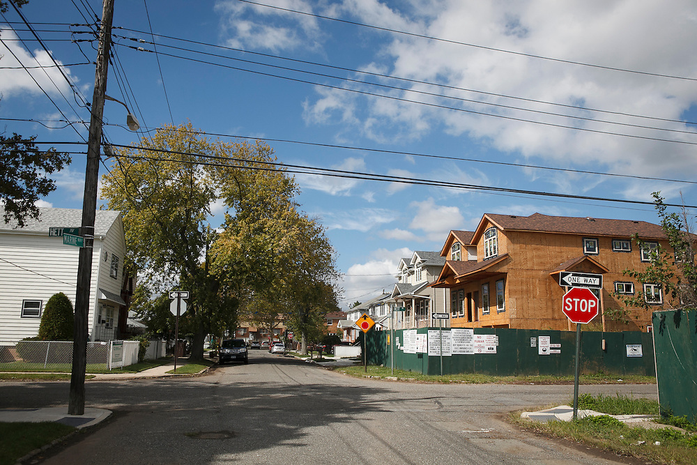 The intersection of Hett Ave and Marine Way in the New Dorp Beach neighborhood of Staten Island, NY on Monday, Oct. 5, 2015, weeks ahead of the three year anniversary of Hurricane Sandy.<br /> <br /> Andrew Hinderaker for The Wall Street Journal<br /> NYSTANDALONE