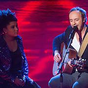 NLD/Hilversum/20131220 - Finale The Voice of Holland 2013, Julia van der Toorn en Niels Geusenbroek