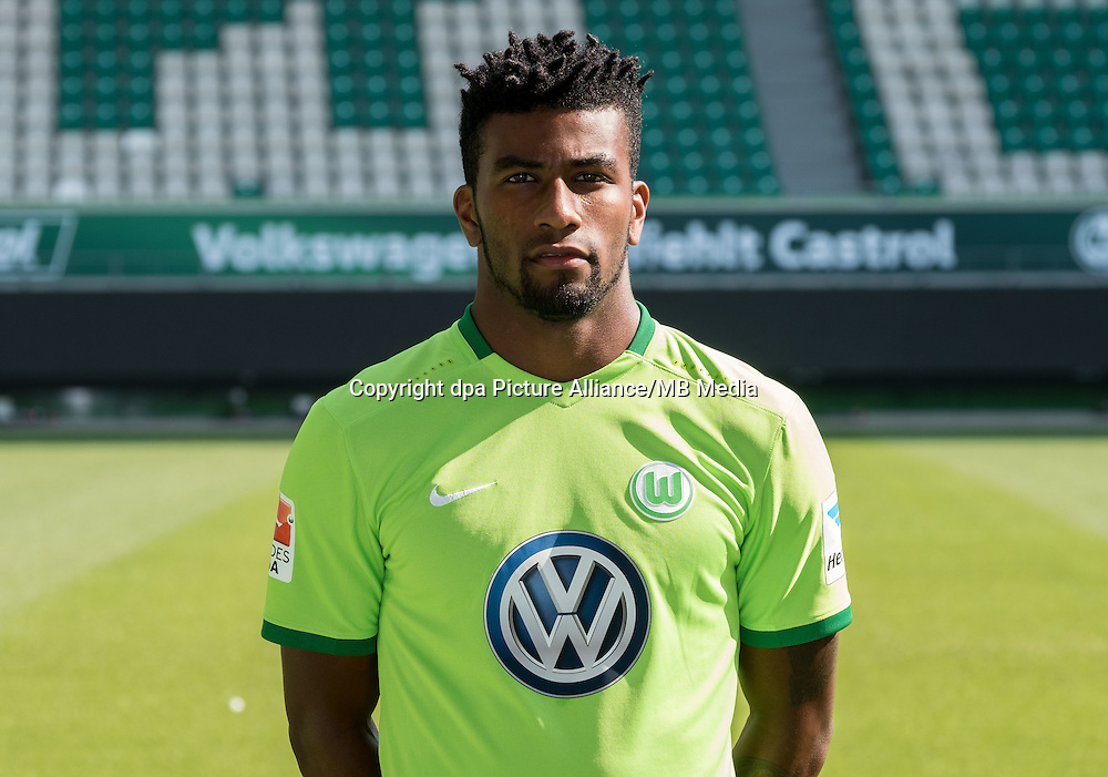 German Bundesliga - Season 2016/17 - Photocall VfL Wolfsburg on 14 September 2016 in Wolfsburg, Germany: Carlos Ascues. Photo: Peter Steffen/dpa | usage worldwide
