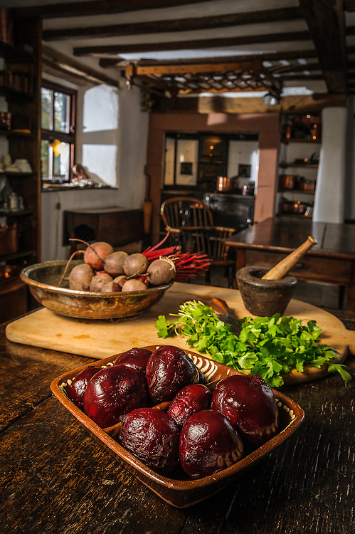 Historic food preparation with food expert Ivan Day, for BBC Countryfile magazine.