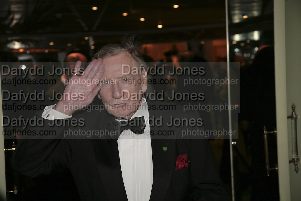 Leslie Phillips, Cocktail party before the  27th Annual London Film Critics' Circle Awards. In aid of the NSPCC. Dorchester. 8 February 2007.  -DO NOT ARCHIVE-© Copyright Photograph by Dafydd Jones. 248 Clapham Rd. London SW9 0PZ. Tel 0207 820 0771. www.dafjones.com.
