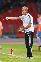 03.08.2010, Stadio San Paolo, Neapel, ITA, Friendly Match, SSC Neapoli vs VFL Wolfsburg, im Bild Steve McLAREN Wolfsburg trainer.EXPA Pictures © 2010, PhotoCredit: EXPA/ InsideFoto/ Staccioli Insidefoto +++++ ATTENTION - FOR AUSTRIA AND SLOVENIA CLIENT ONLY +++++ / SPORTIDA PHOTO AGENCY