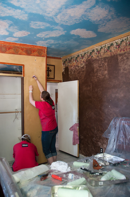 Images from Wells Fargo Nevada's Rebuilding Together event, Friday, May 13 2011 in North Las Vegas...Photo by David Calvert