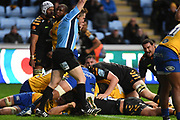 Wasps back row Brad Shields (6) scores a try during the Gallagher Premiership Rugby match between Wasps and Bath Rugby at the Ricoh Arena, Coventry, England on 2 November 2019.