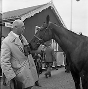 23/04/1962<br /> 04/23/1962<br /> 23 April 1962<br /> Irish Grand National at Fairyhouse<br /> Owner Mr. Frank Stafford poses with Kerforo, winner of the Irish Grand National at Fairyhouse on 23 April 1962.