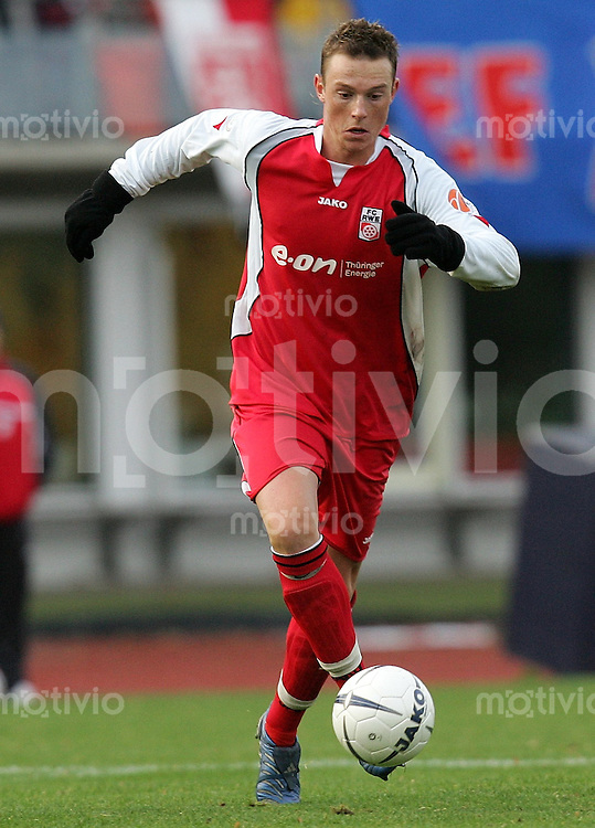 Erfurt , 041106 , Fussball Regionalliga Nord FC Rot Weiss Erfurt - SV Wilhelmshafen  Matthias PESSOLAT (Erfurt) am Ball