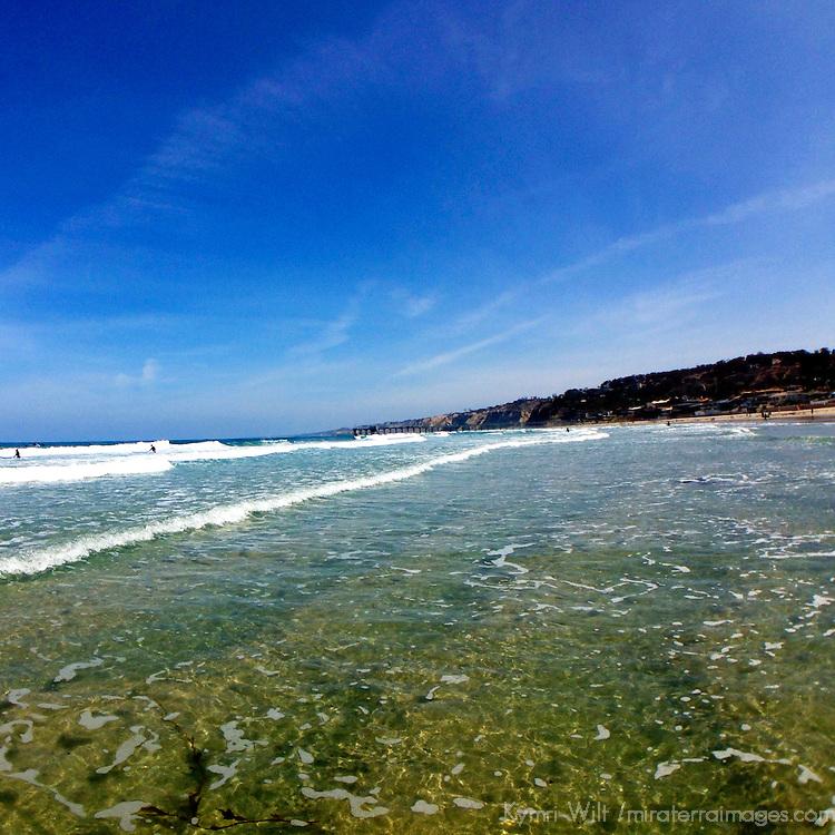 USA, California, La Jolla. La Jolla Shores tides.