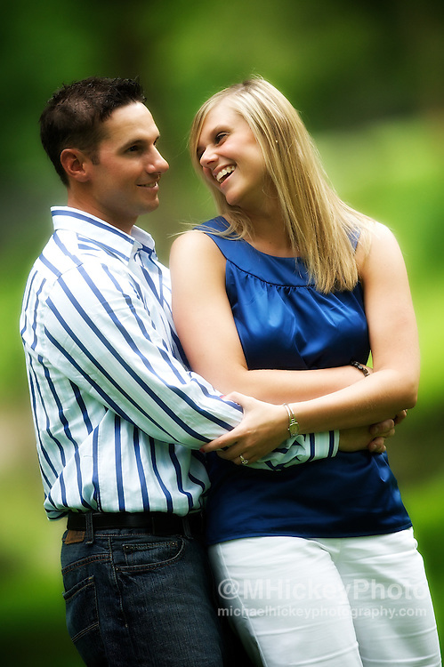 Engagement photos of Nicole Henseleit and Matt Geary.