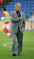 Fussball International Laenderspiel Oesterreich - Venezuela  Oesterreichs Trainer Josef Hickersberger