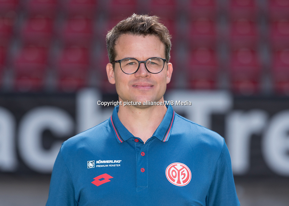 German Bundesliga, offical photocall 1. FSV Mainz 05 for season 2017/18 in Mainz, Germany: Steffen Troester Foto: Thorsten Wagner/dpa | usage worldwide