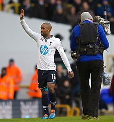 LONDON, ENGLAND - Sunday, February 9, 2014: Tottenham Hotspur's Jermain Defoe waves goodbye to the Spurs supporters after his late game, a 1-0 victory over Everton, during the Premiership match at White Hart Lane. (Pic by David Rawcliffe/Propaganda)
