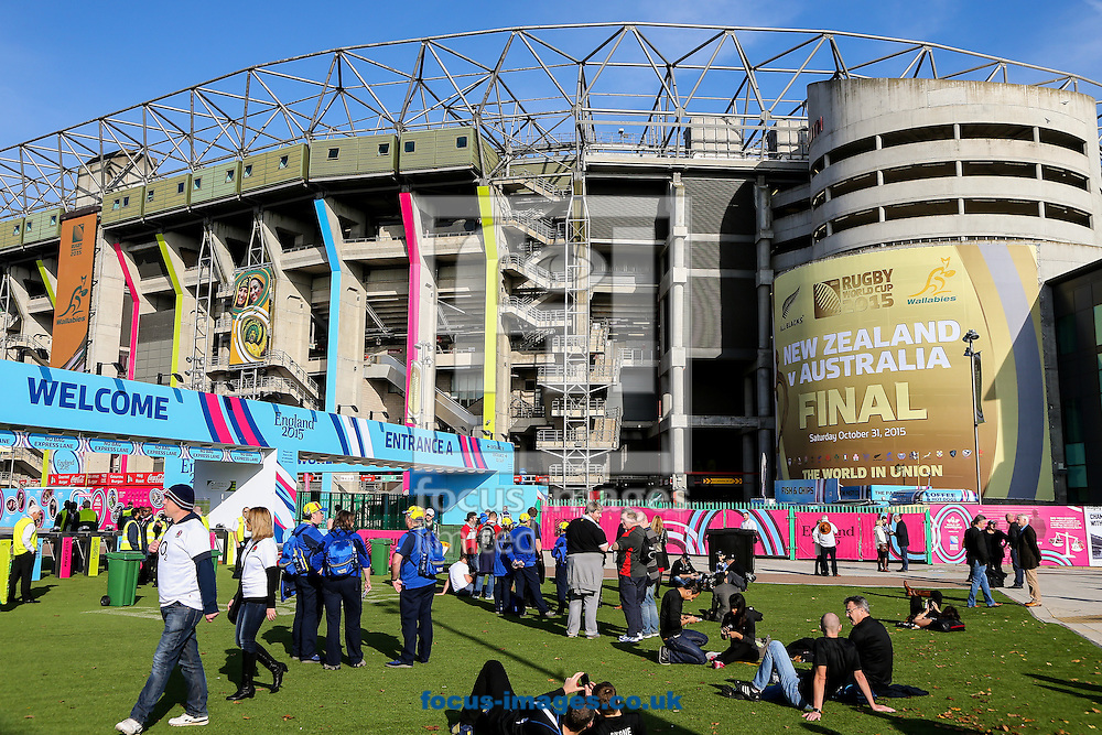 A general view of the stadium before the final of the 2015 Rugby World Cup at Twickenham Stadium, Twickenham<br /> Picture by Andy Kearns/Focus Images Ltd 0781 864 4264<br /> 31/10/2015