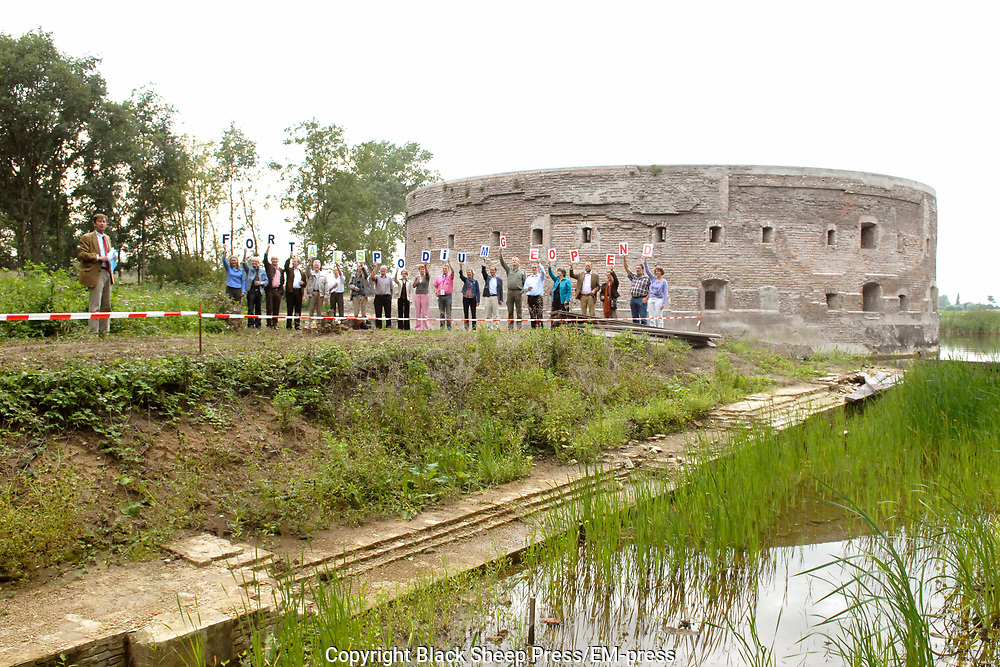 Opening Forten en Stellingenmaand in Fort Uitermeer in Weesp. Opening of the month of the dutch fortress in fortress Uitermeer in Weesp.<br />