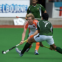 MELBOURNE - Champions Trophy men 2012<br /> Netherlands v Pakistan<br /> foto: Klaas Vermeulen duel with Muhammad Waqas<br /> FFU PRESS AGENCY COPYRIGHT FRANK UIJLENBROEK