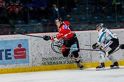 24.02.2019, Ice Rink, Znojmo, CZE, EBEL, HC Orli Znojmo vs EHC Liwest Black Wings Linz, Qualifikationsrunde, 49. Runde, im Bild v.l. Petr Mrazek (HC Orli Znojmo) Kevin Kapstad (EHC Liwest Black Wings Linz) // during the Erste Bank Eishockey League 49th round match between HC Orli Znojmo and EHC Liwest Black Wings Linz at the Ice Rink in Znojmo, Czechia on 2019/02/24. EXPA Pictures © 2019, PhotoCredit: EXPA/ Rostislav Pfeffer