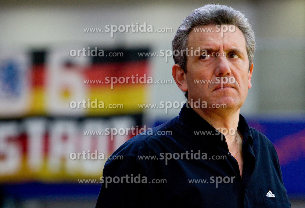 Head coach of France Claude Onesta during the Men's Handball European Championship Main Round match between Germany and France at the Olympia Hall on January 24, 2009 in Innsbruck, Austria. (Photo by Vid Ponikvar / Sportida) - on January 2010